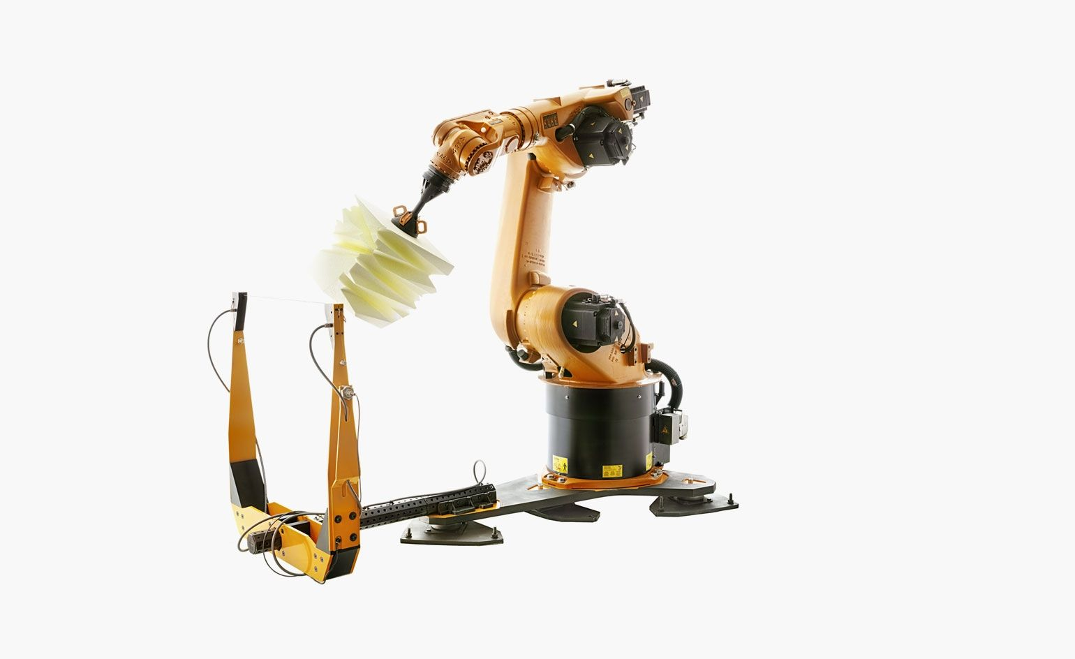 This Advanced Robotic Arm Will Carve Your Designs Out Of Foam