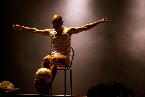 Figura 4 - Espetáculo Ícaro (2009), Dejalmir Melo