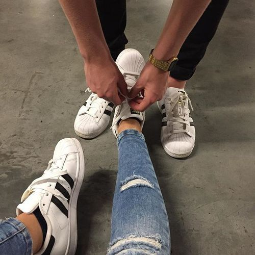 adidas, couple, and shoes Bild