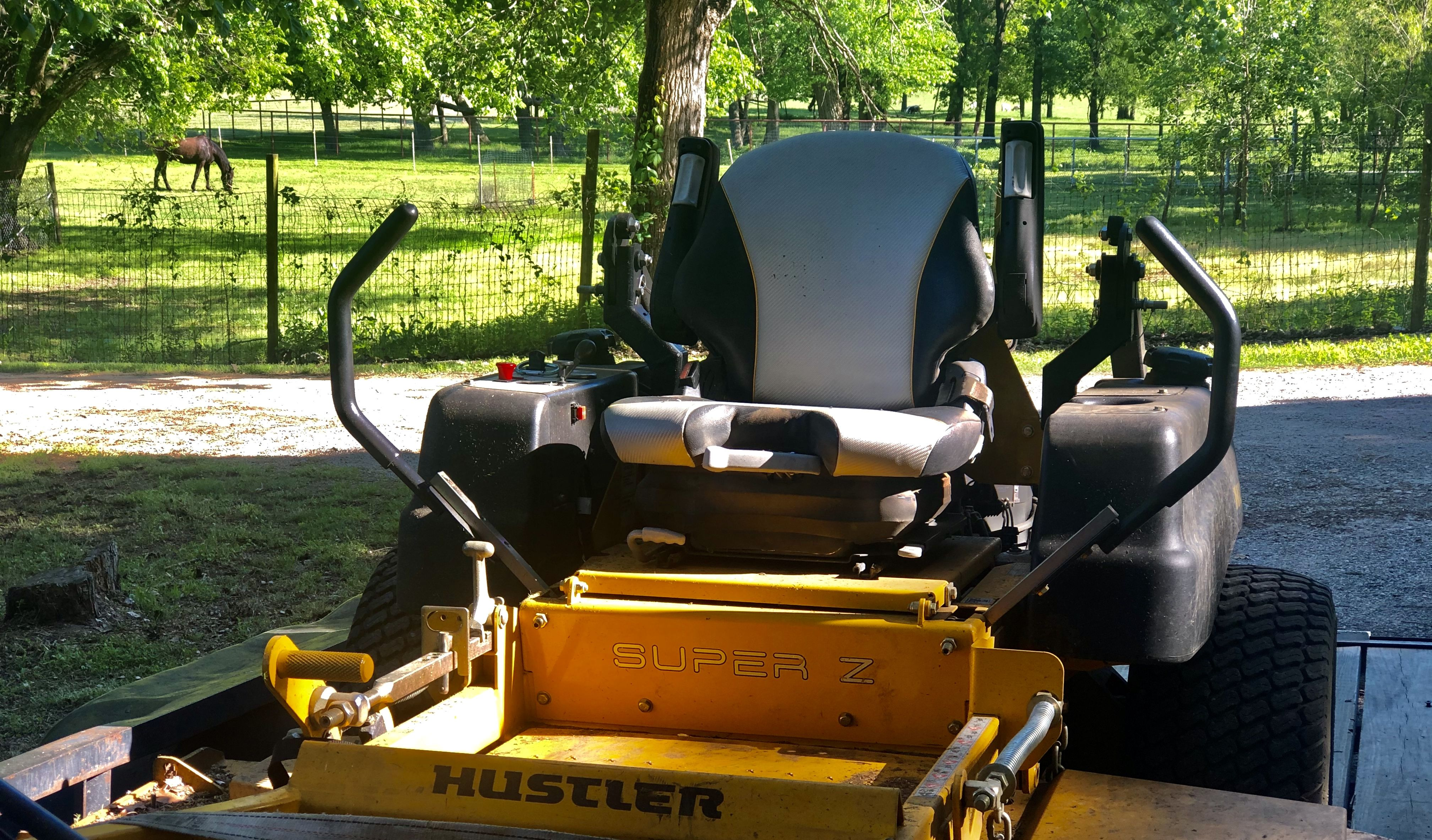 Mowing The Grass In 2020 Mower Mowing Riding Lawn Mowers