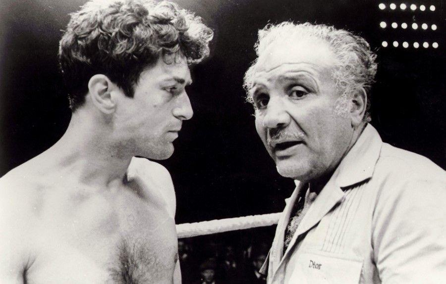 Robert Deniro Consulting With Jake Lamotta On The Set Of Raging Bull Raging Bull Robert De Niro Bull Boxer