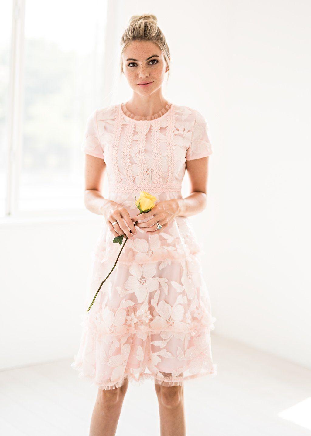 Green dress for wedding party  Splendid Spree Dress in Rose Quartz  dresses  Pinterest  Rose
