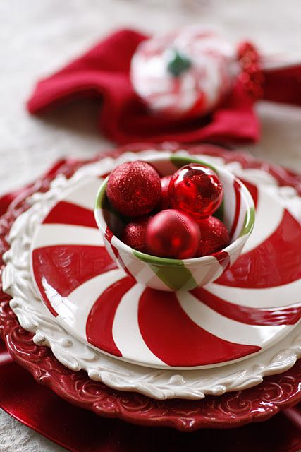 .Pretty place setting for the Holiday ....<3