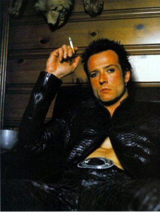 Scott Weiland of Stone Temple Pilots and Velvet Revolver.