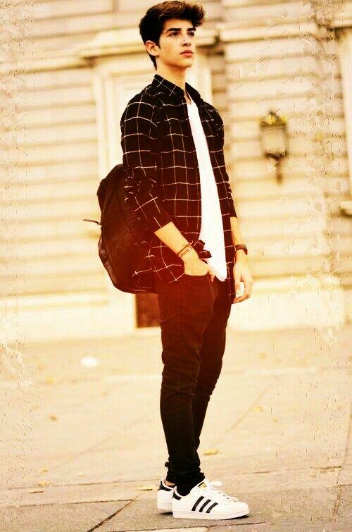 Black_shirt,white_t,shirt,black jeans and superstar