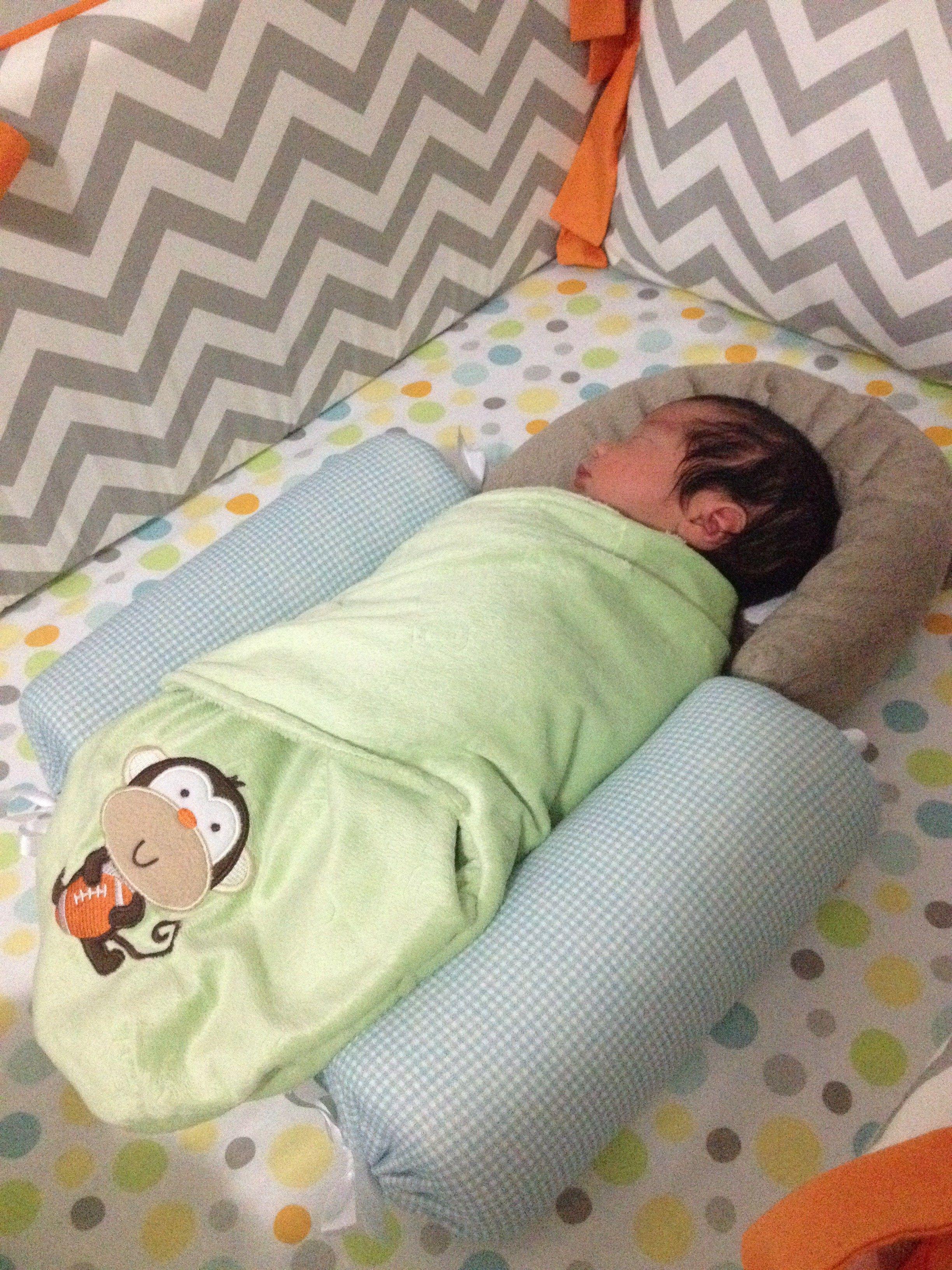 Hoje fui colocar o Luli para dormir e me lembrei de um post que há tempos queria escrever, sobre o Rolinho Segura Bebê. Eu não conhecia e não usei esse produto com a Nina, mas a Tulipa Baby enviou para eu conhecer quando ainda estava grávida do pequeno e adorei! Uso muito, desde que ele …