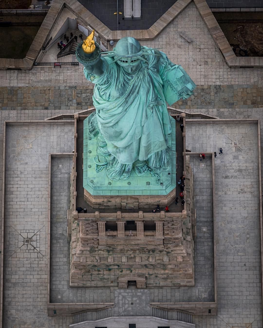 Pin De Ilse Huurdeman Em New York City Viagens Estatua Da Liberdade Nyc