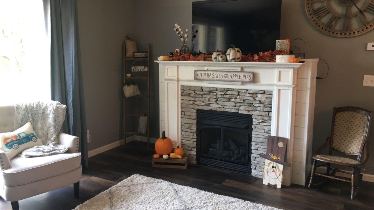 #falldecor #fallfireplace #rock #fall #pumpkin #farmhousedecoration #farmhouse #farmhousedecor #fireplace #fireplacedecor