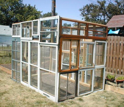 Originales ideas de invernaderos para tu jard n for Bioguia jardines