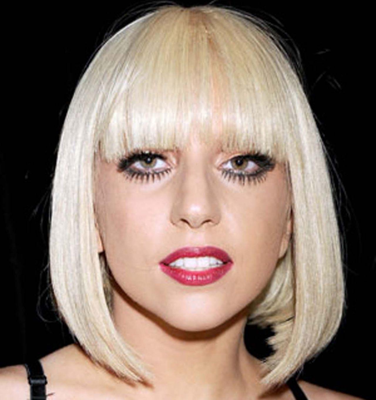 Lady Gaga Bangs Hairstyle Blonde Hair Color Straight Hair White Skin Red Lips Black Background Hairsty Platinum Blonde Hair Short Blonde Hair Real Human Hair