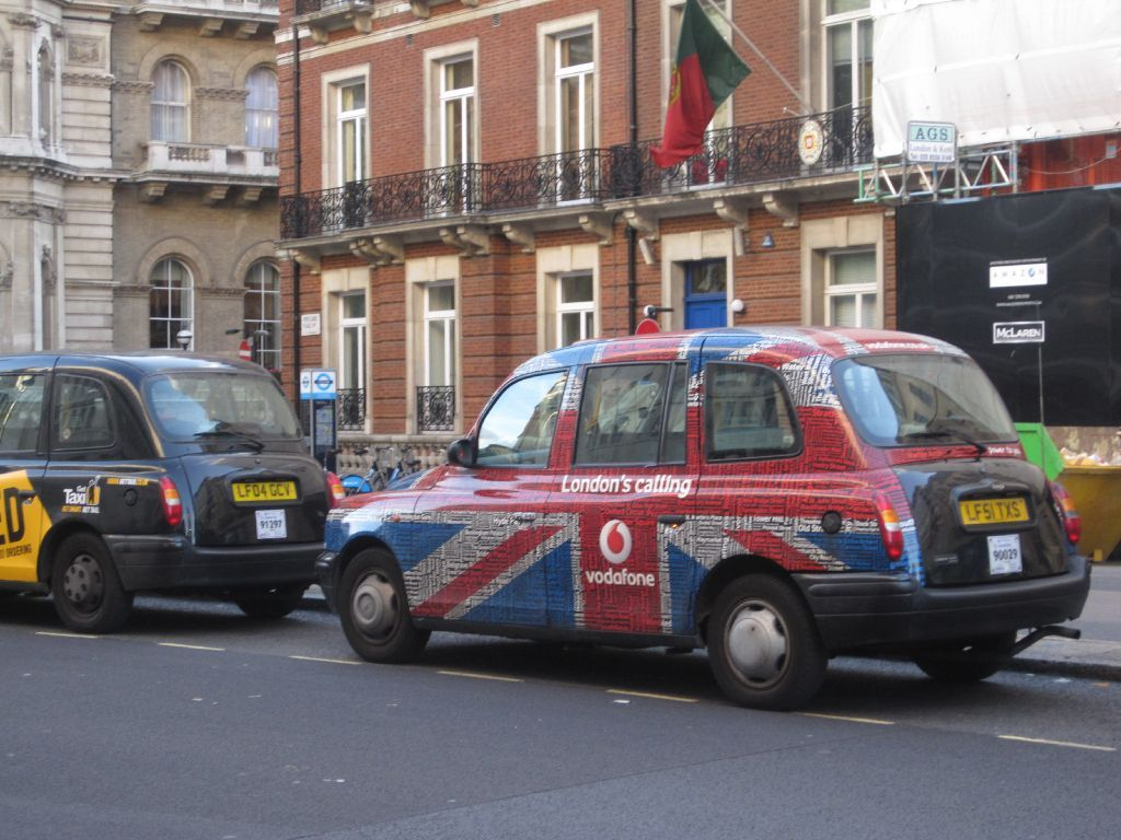 Taxi. Union Jack! Union jack, Beautiful london, Taxi