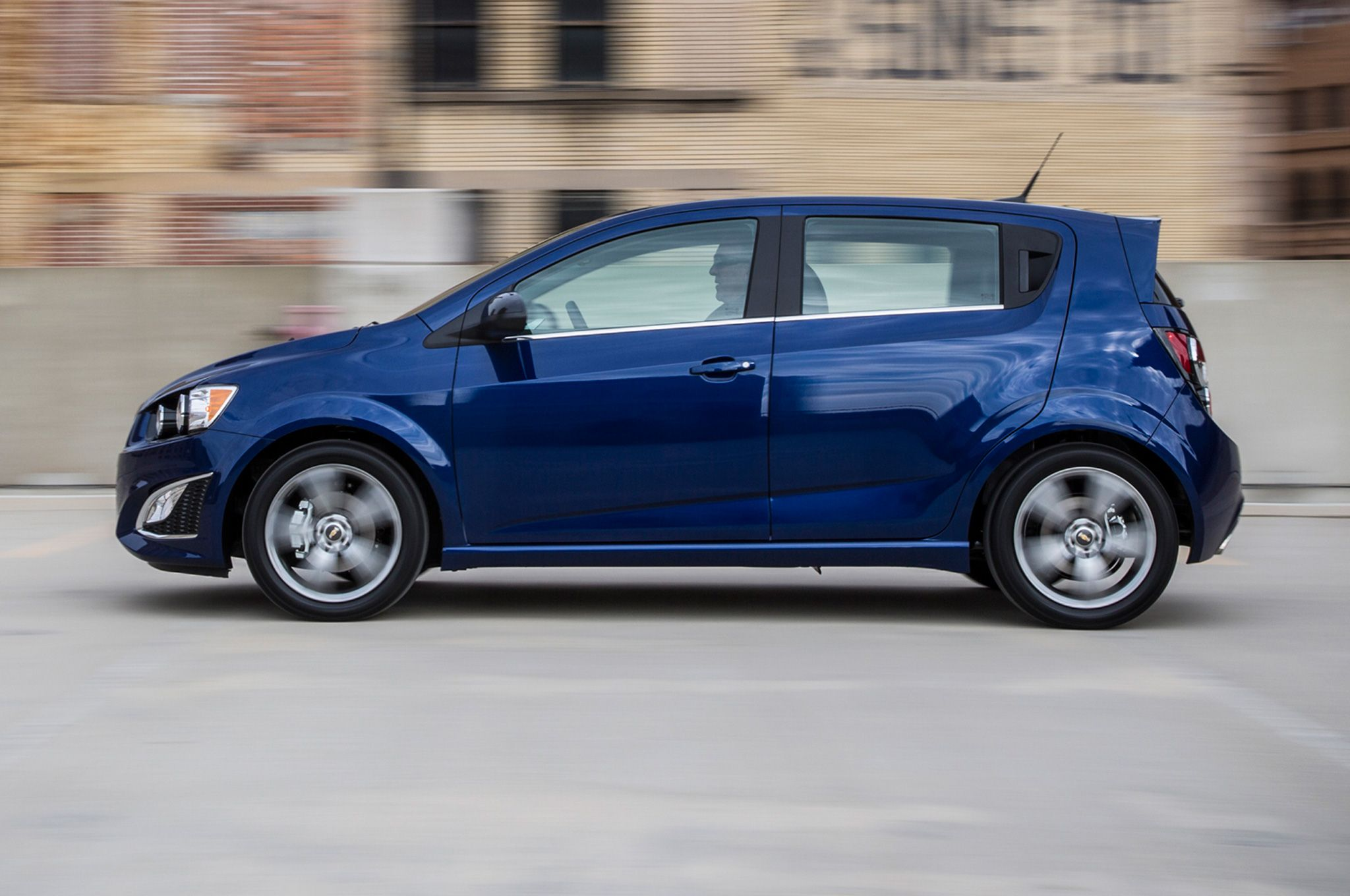 Chevrolet sonic 2014 hatchback
