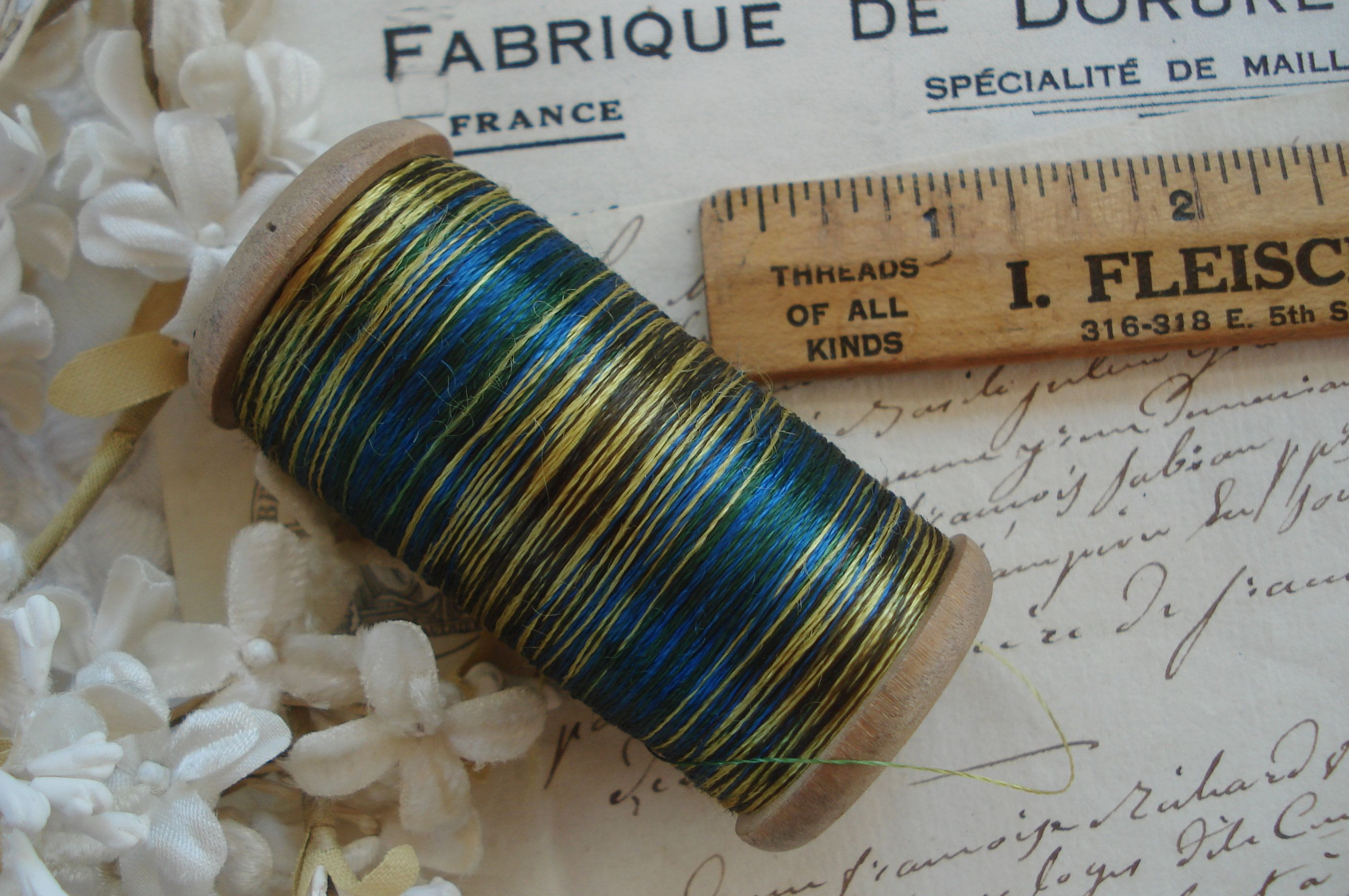 ANTIQUE FRENCH TRIM CORD  1 YARD SPARKLE BLUE OMBRE METAL LIGHT WEIGHT THREAD