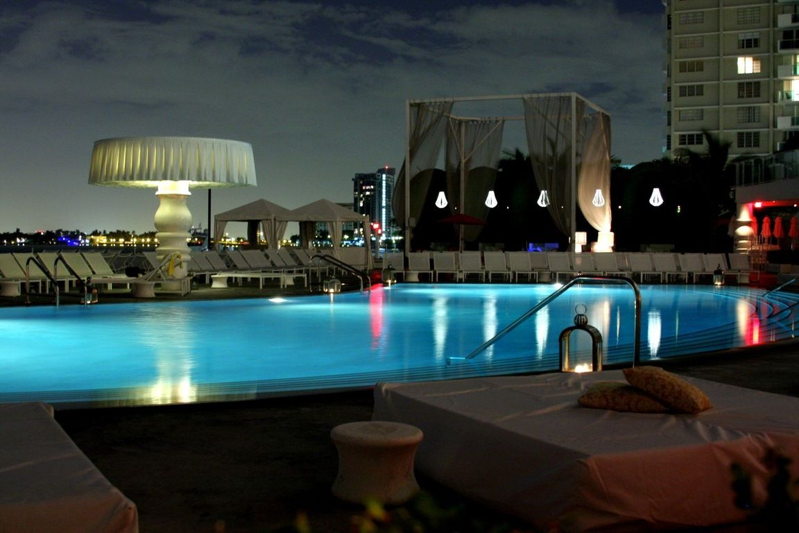 Mondrian Hotel Pool Los Angeles Always Will Be One Of My Favorite Spots Hotel Hotel Party Mondrian South Beach
