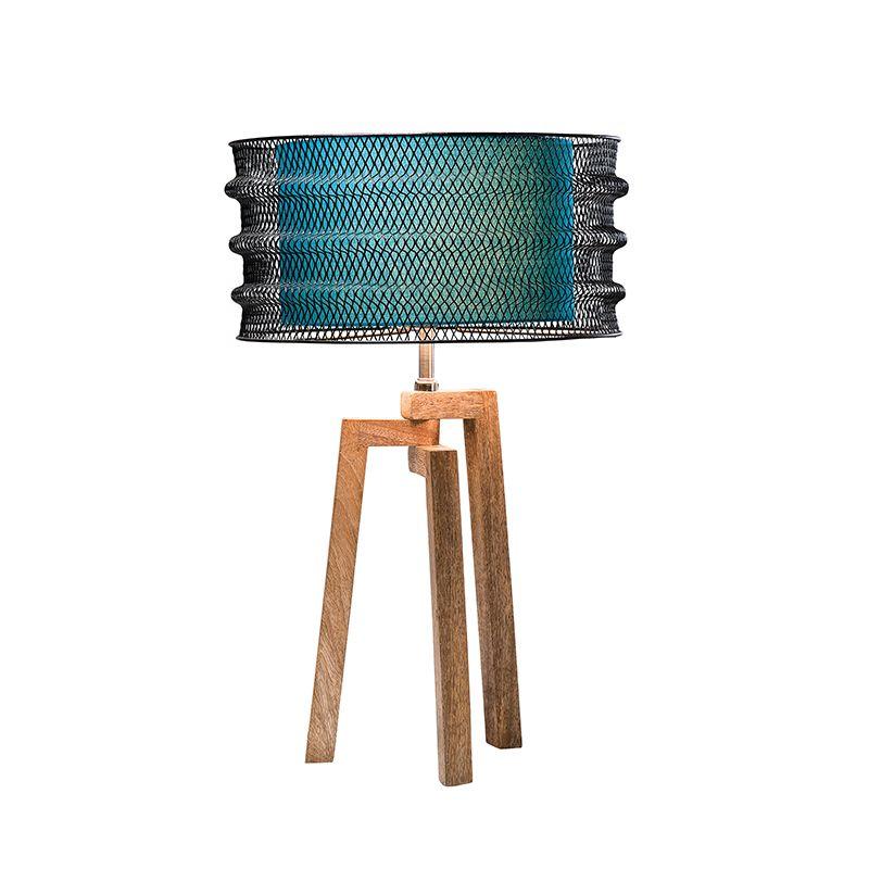 Läcker lampa med med spännande material.  http://www.wohnzimmer.se/se/produkter/lampor/bordlampor/bordlampa-wire.php