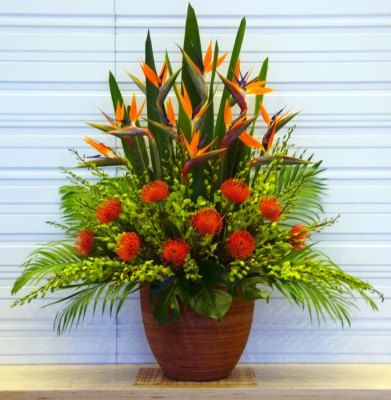 Proportion Flowers Used Are Fern Bird Of Paradise Leaves I Think The Red A Large Flower Arrangements Tropical Flower Arrangements Fresh Flowers Arrangements