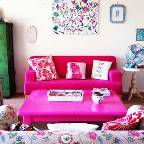 pink coffee table with a gray couch orr the pink couch. Not both ...