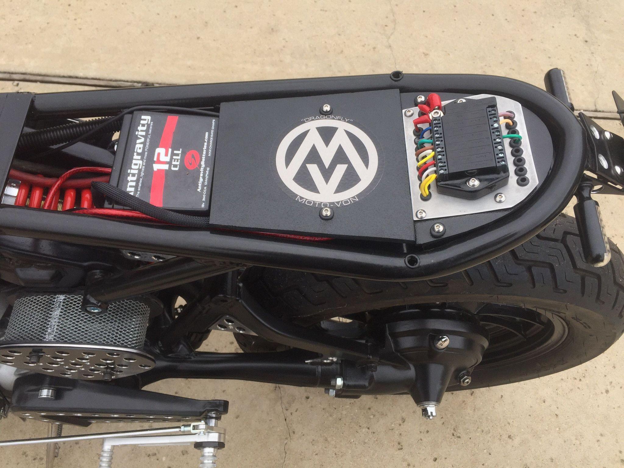 motogadget m unit v 2 cafe racer parts cafe bike. Black Bedroom Furniture Sets. Home Design Ideas