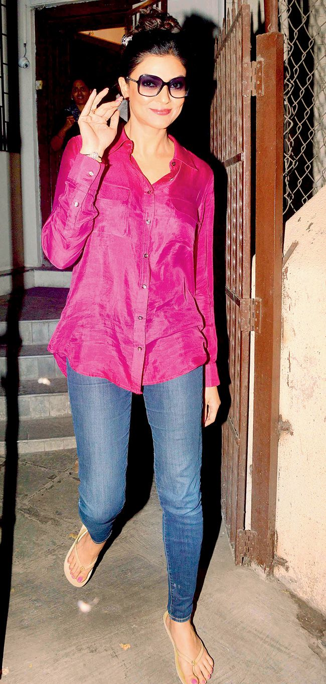 Spotted: Deepika Padukone in Bandra | Street style... | Pinterest