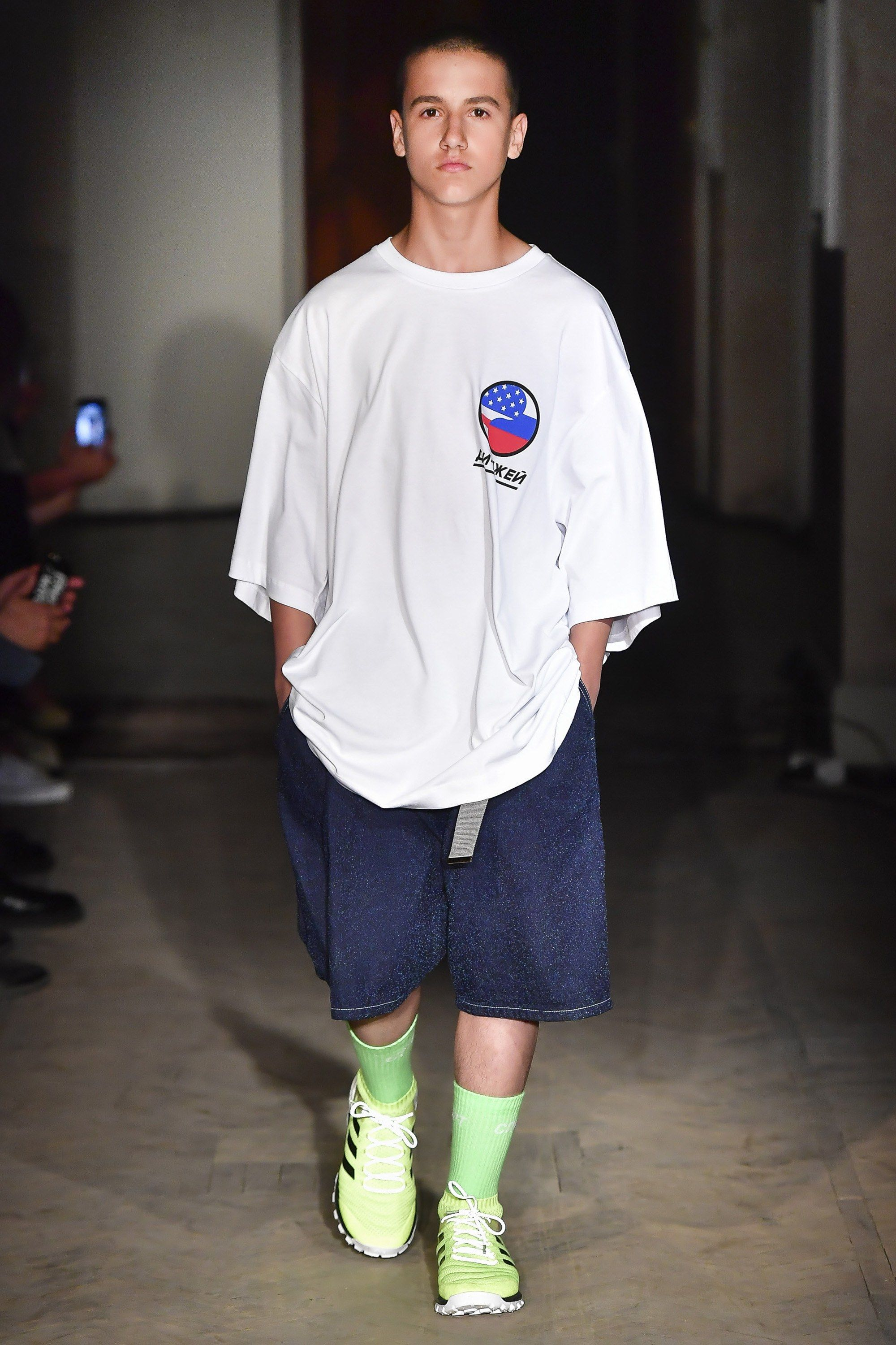 35ebc9afe209f8 See the complete Gosha Rubchinskiy Spring 2018 Menswear collection.