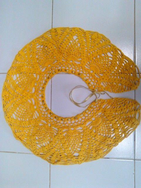 Yellow pineapple colar