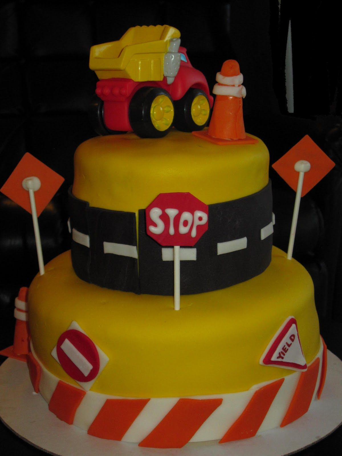 dump truck birthday cake Bing Images Recipes Pinterest Truck