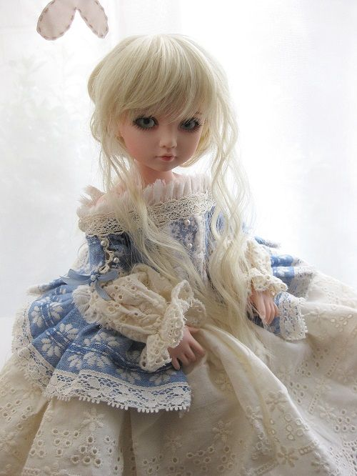 wonderalicesbjds:  Some shots of Alice in another outfit - a gorgeous blue dress from Iplehouse. The detail is stunning! I was worried that it was going to be a little big, as it was designed to fit both their BID and KID size dolls, but it's all good.