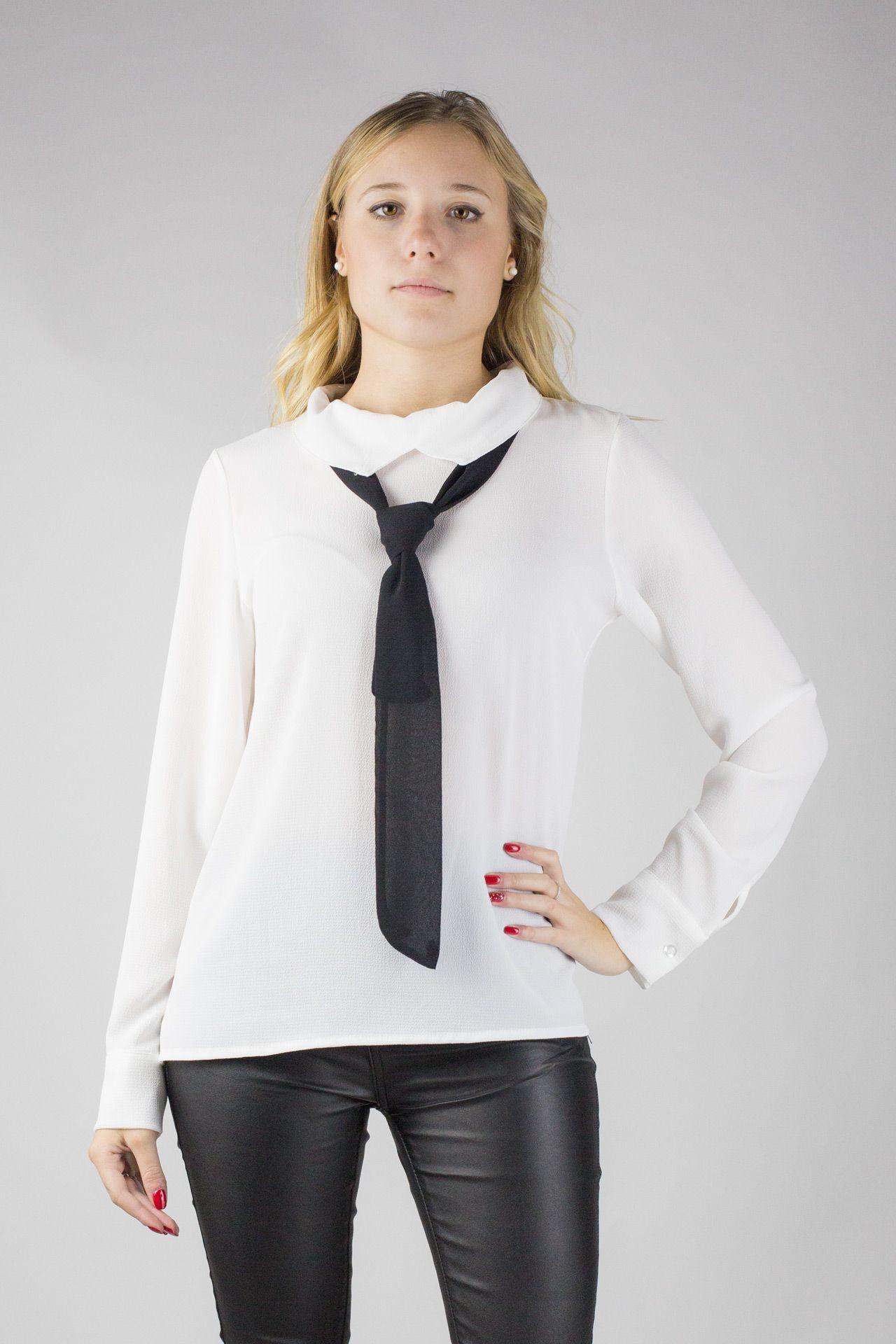 Camicia manica lunga con colletto a punte e cravatta .  827b81f084d