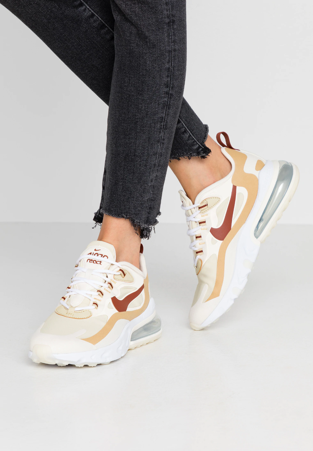 AIR MAX 270 REACT - Trainers - team gold/cinnamon/club gold ...