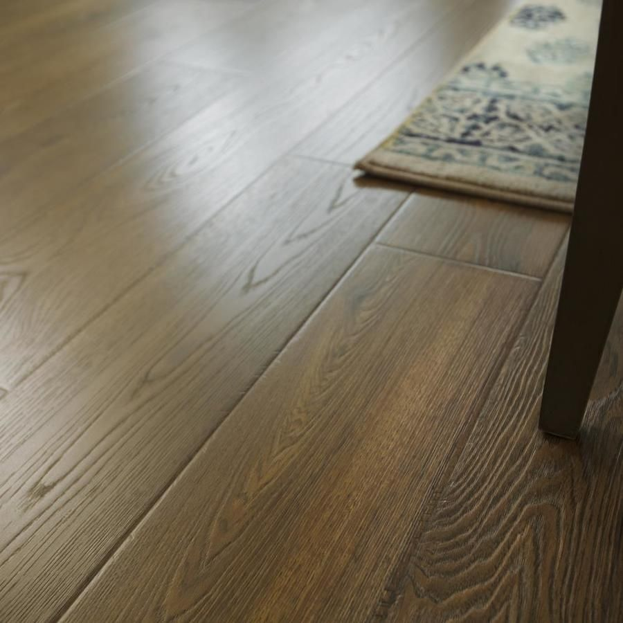 Lowes Timbercraft Valley Grove Oak In 2019 Wood Laminate