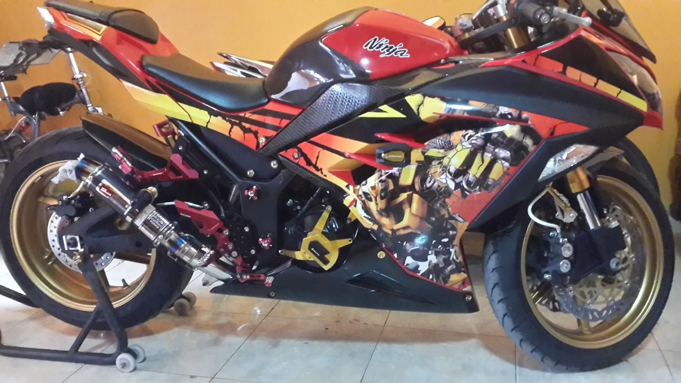 Hasil Jadi Decal Kawasaki Ninja 250 Fi Transformer Bee