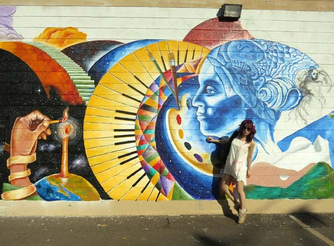 La Carmina Tv Host Popular Fashion Blogger Travel Expert Blog Art Street Art Mural Art