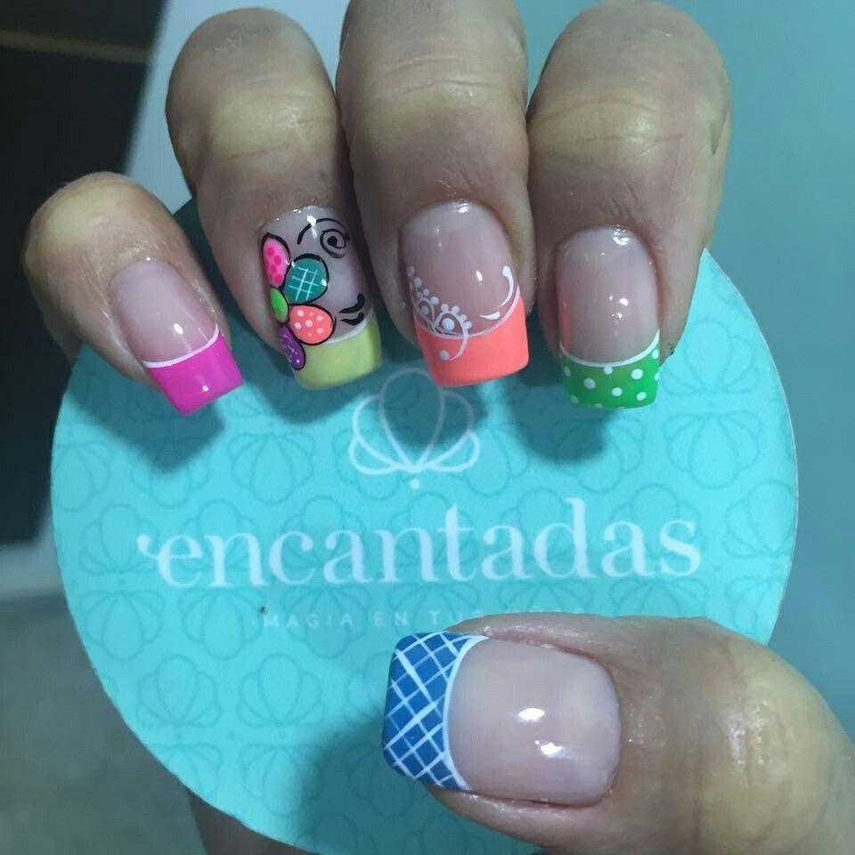 Francés colores | Manicura de uñas, Uñas con figuras, Uñas ...