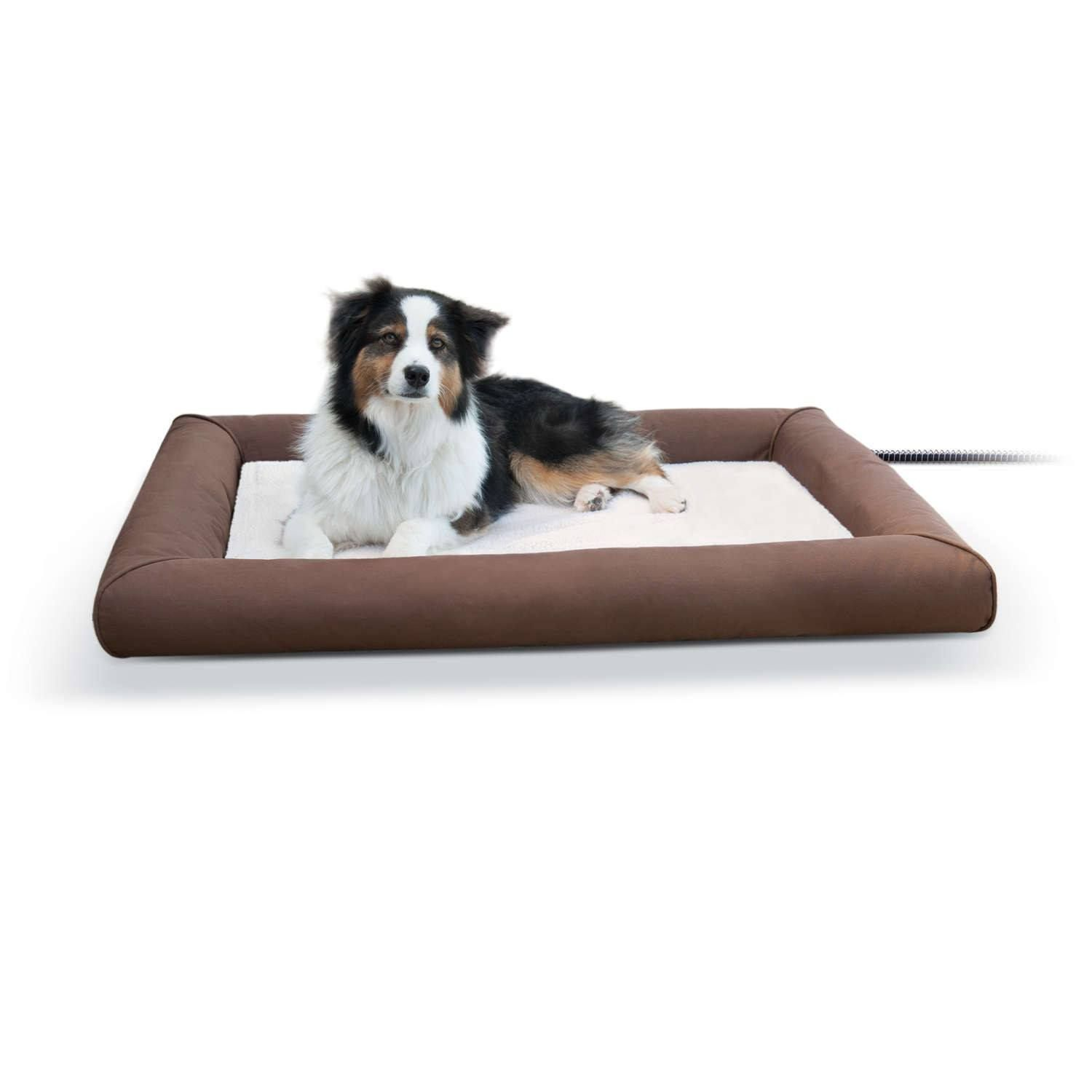 Keep Your Pets Warm And Snug With The Deluxe Lectro Soft Outdoor Heated Pet Bed It S Hard To Find A Soft Outdoor Bed That S Also Heated And This With Images Heated Dog
