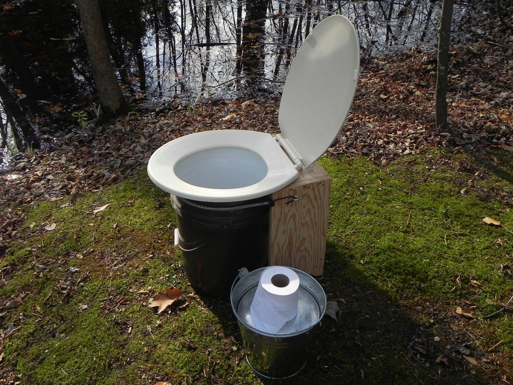 Camping Composting Toilet : Do it yourself simple composting toilet tiny homes