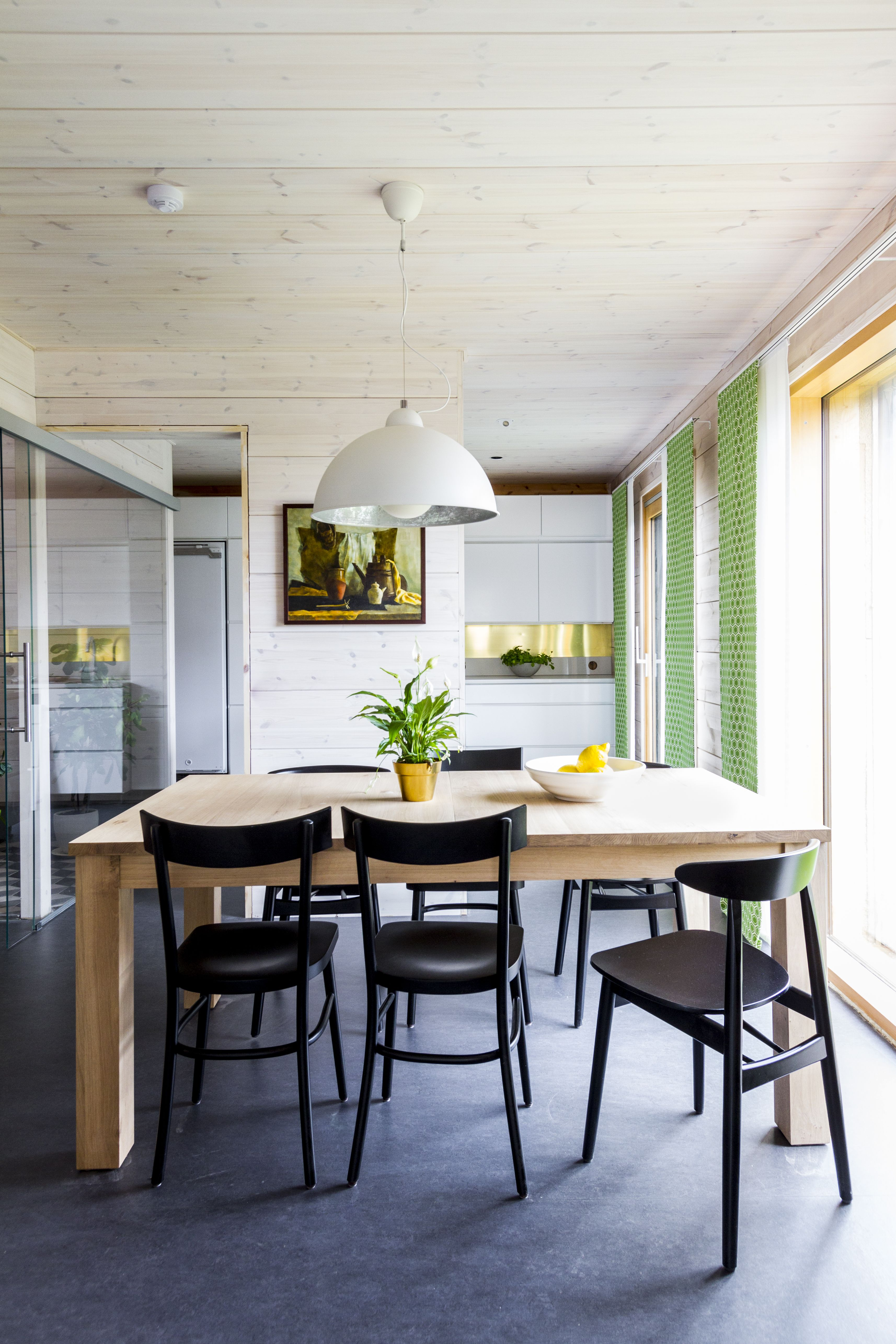 Natural Light Wood And Carefully Selected Materials