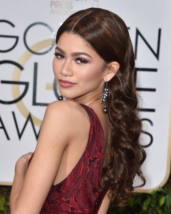 Red Carpet Hairstyles To Steal For Your Wedding Day Party Hairstyles Formal Hairstyles Hair Styles