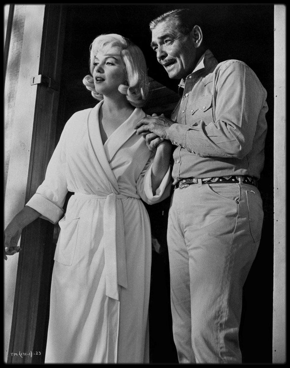 1960 / (Part III) Marilyn et GABLE dans une des scènes du