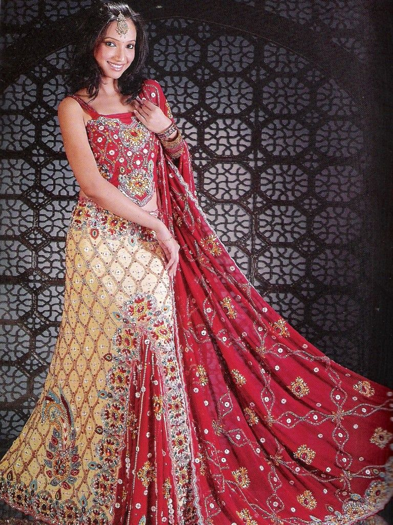 Pin by Naina Bhardwaj on Indian Kapre | Pinterest | Wedding dresses ...