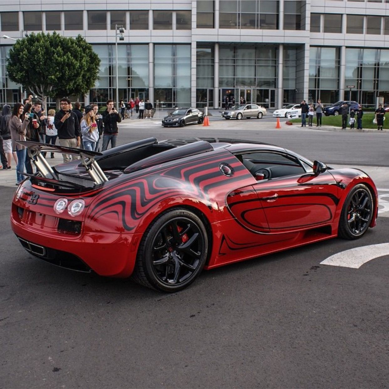 Bugatti Veyron Grand Sport Vitesse Painted In The L Or Rouge Color
