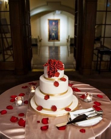 Ivory cake and red touches