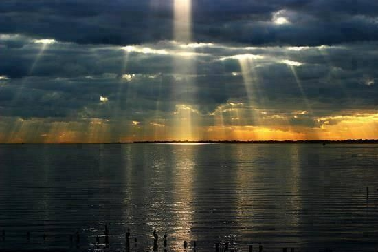 Twitter, Photo of crepuscular rays shot from Kemah, Texas by Mark Chatham pic.twitter.com/KAjlzB5zeq