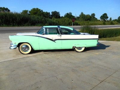 Ford : Crown Victoria 2 DOOR 1956 Ford