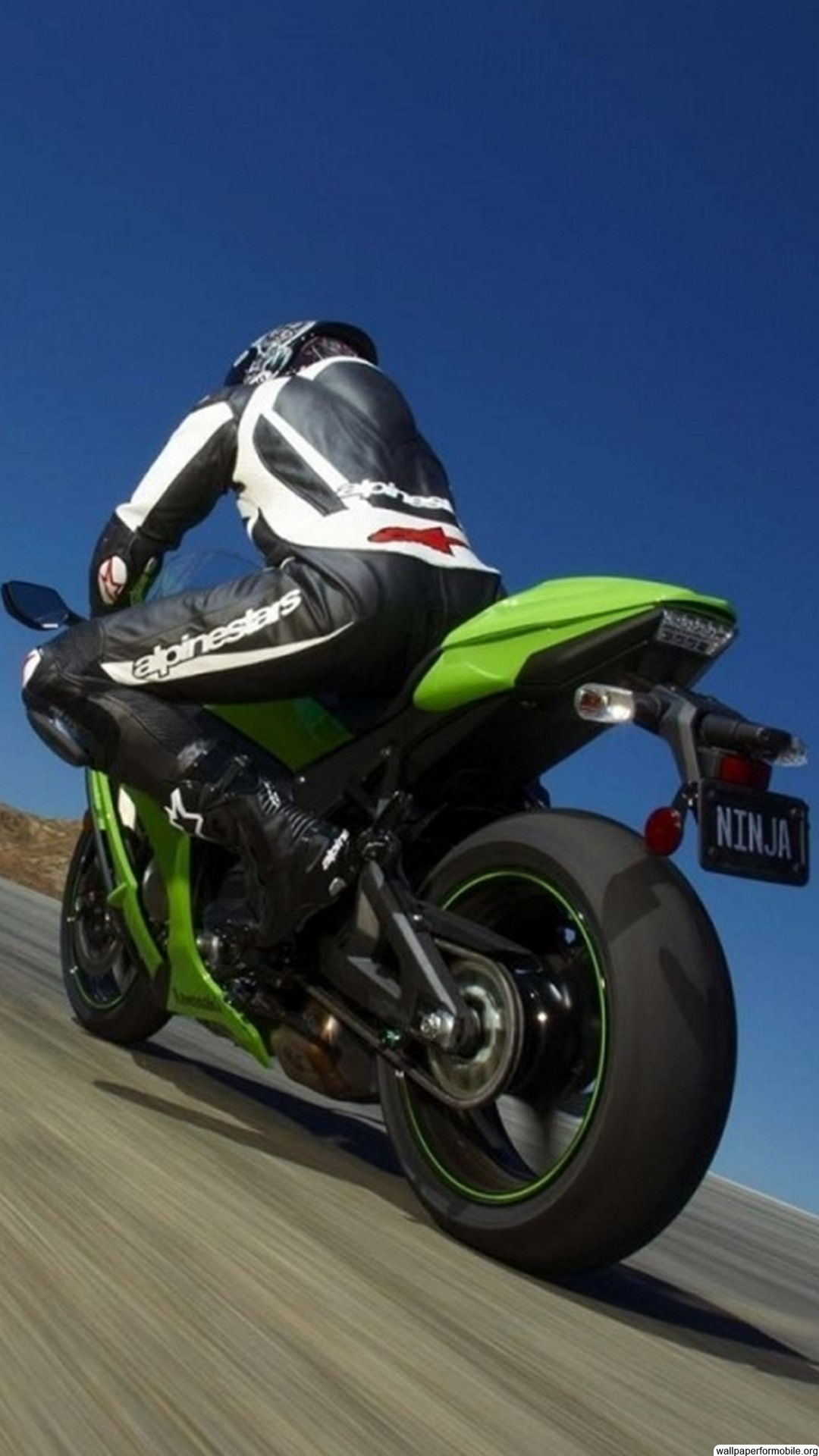Free Sports Screensavers And Wallpaper Kawasaki Ninja Motorcycle Wallpaper Racing Bikes