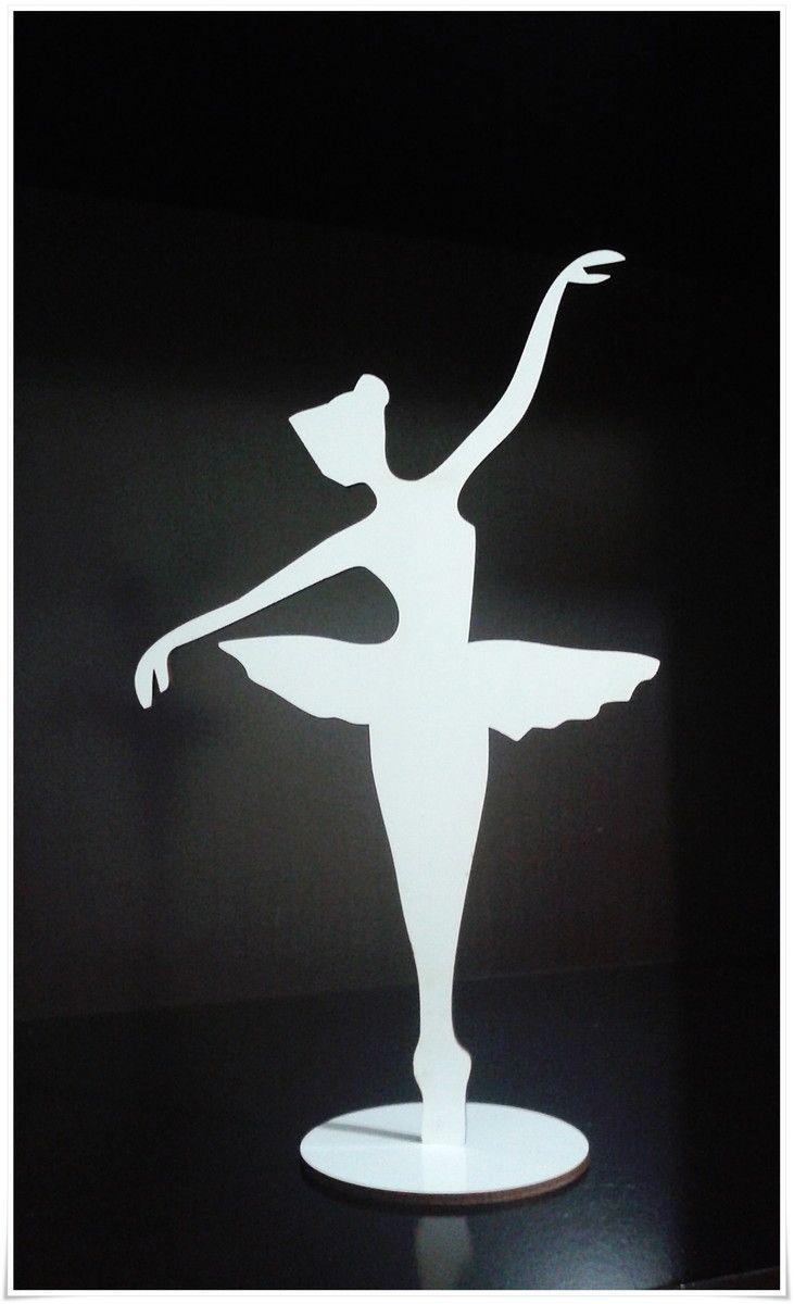 de1e1f154f Enfeite para mesa bailarina. Feito em mdf 3mm branco com recorte lateral a  laser.