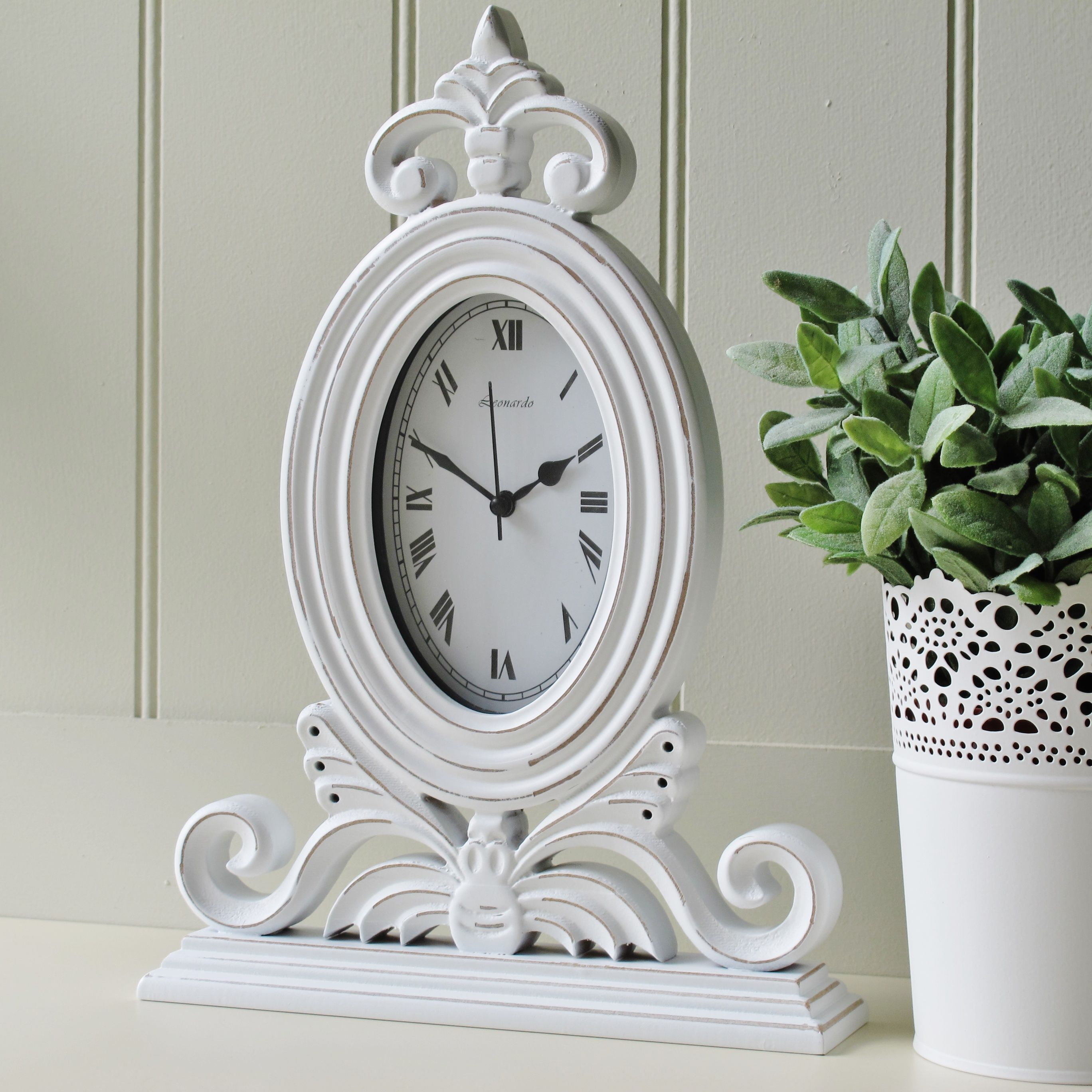 Pin By Irin On Clocks Shabby Chic Mantel White Mantel Clocks Clock