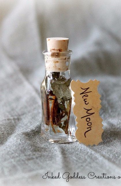 New Moon Oil for New Beginnings | To make | Witch bottles
