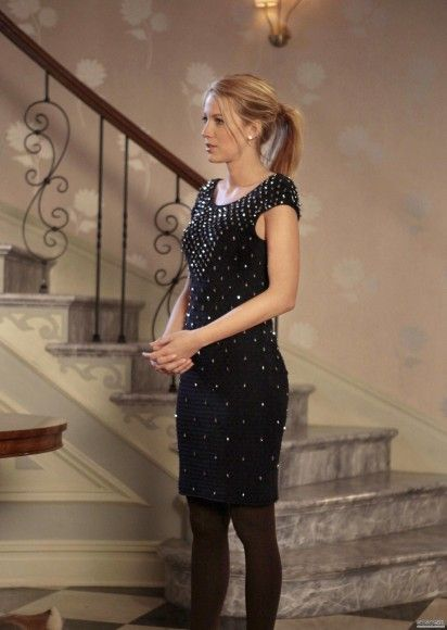 5x20. Serena's black beaded Temperley London dress on Gossip Girl.  Outfit Details: http://wornontv.net/3244/ #GossipGirl