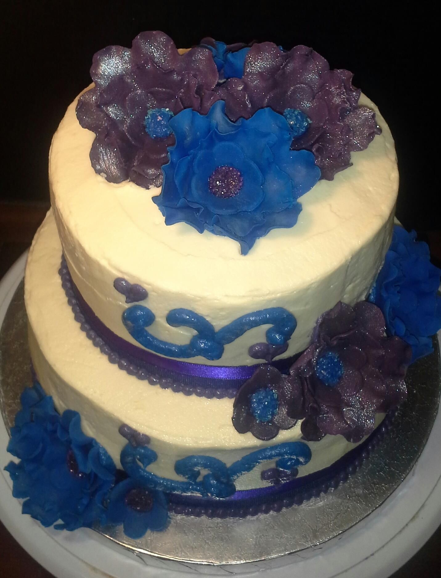 Royal Blue & Purple Small Tier Wedding Cake (top aspect) | Kimmi\'s ...