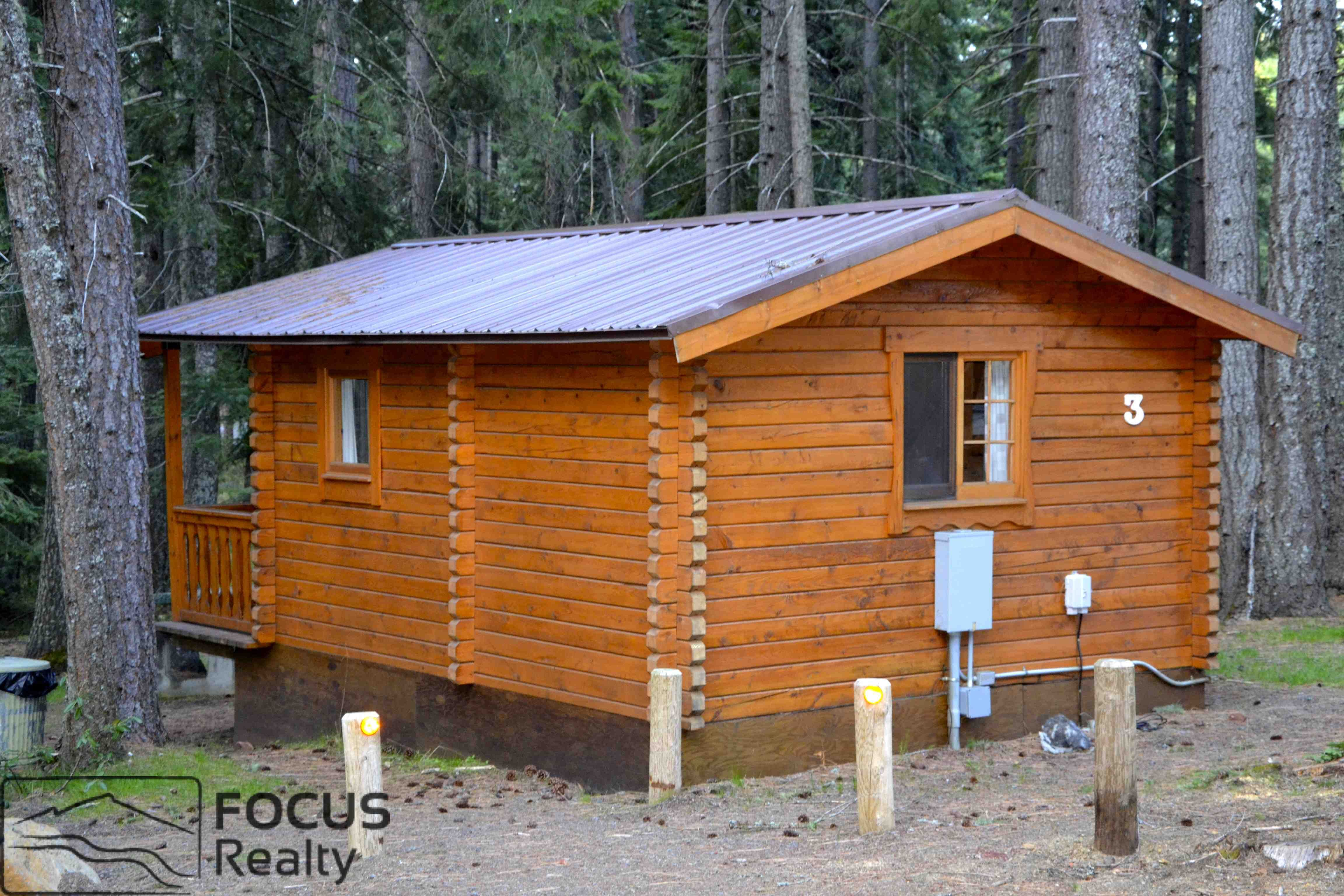 a little cabin at suttle lake lodge in central oregon